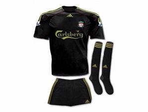 liverpool-new-costum